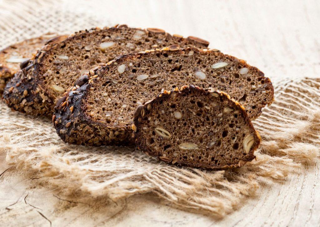 Pan de centeno con pasas