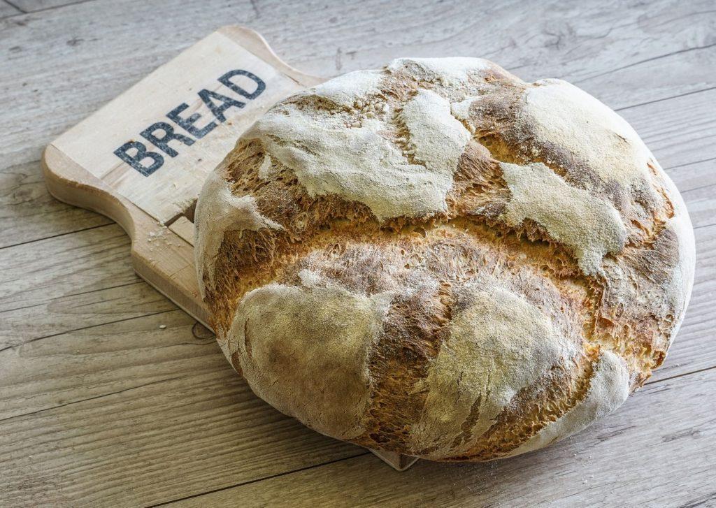 Pan de tres harina, harina de trigo, harina de maíz y harina de garbanzo
