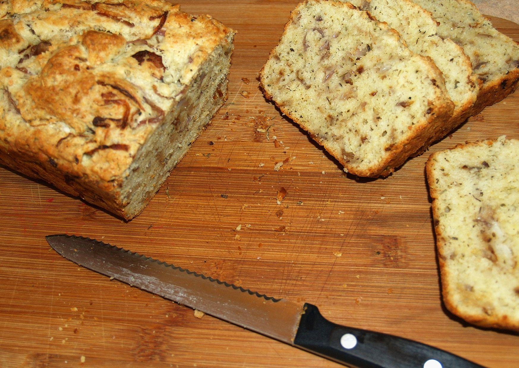 Panes caseros con cebolla