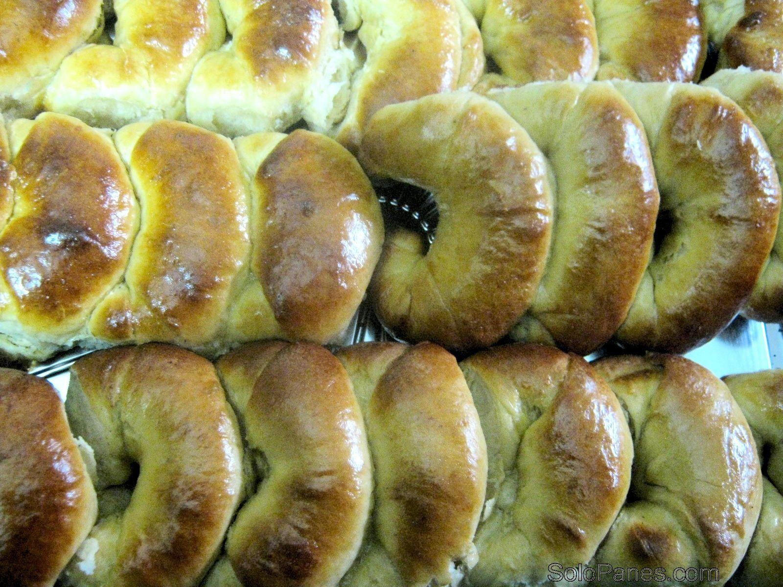 medialunas rellenas de queso