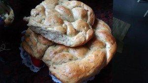 Rosca de pan de ajo integral